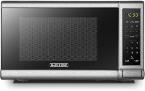 BLACK+DECKER EM720CB7 Digital Microwave Oven with Turntable Push